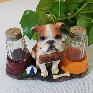 DWK Dining - Bulldog Salt & Pepper Set